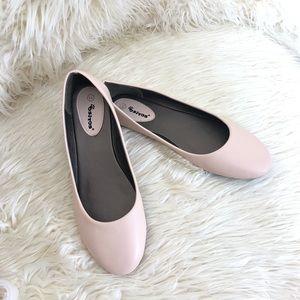 389e5fa1c784 EUC Ositos Flat Shoe